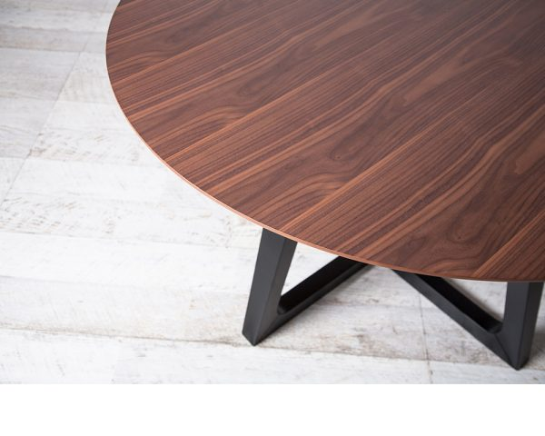 pascalrd2 600x480 - Pascal 1370 Round Dining Table - Walnut